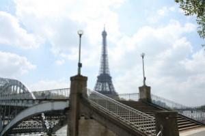a Eiffel Tower